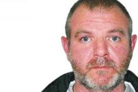 Miguel Ricart, condenado por el crimen de Alcàsser, en una casa okupa