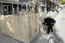 Cort permitirá a algunos bares mantener la tarima de la terraza si quitarla presenta dificultades