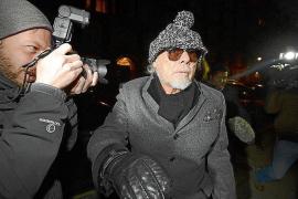 Detenido el cantante Gary Glitter por los abusos a niñas del presentador de la BBC