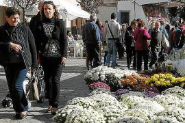 Los productos locales y de temporada centran un concurrida Fira d'Octubre