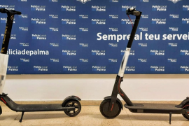 La Policía de Palma busca a los propietarios de dos patinetes «de dudosa procedencia»