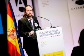 Iglesias mantiene que Puigdemont es exiliado y rechaza que sus palabras ofendan a la memoria de los republicanos