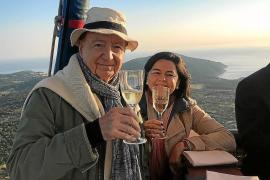 José Carlos Capel, junto a Julia Pérez