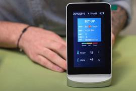 La razón de la dispar medición de CO2 en una aula balear, según el fabricante