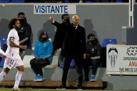 Zidane extiende su maldición copera