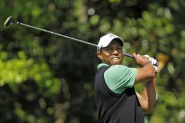 Woods se mantiene a dos golpes del liderato  tras una jornada brillante y Sergio García gana enteros