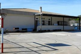 Cesión de tres solares al Govern para la ampliación del colegio de s'Arracó