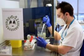 Sanidad garantiza el mismo suministro de vacunas mientras la presión se dispara