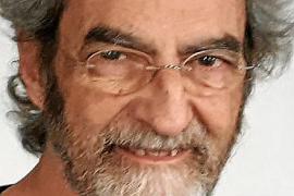 Joan-Ramon Laporte, catedrático de Farmacología UAB: «Estamos en un experimento global de seguridad de las vacunas»