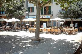 Comercios, hoteles y bares de Pollença no pagarán ocupación y basura hasta final de junio