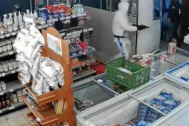 El atracador de Son Rapinya planeó atar con bridas a los empleados del súper