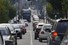 Estos son los 8 errores más frecuentes que se cometen en un atasco en autovía