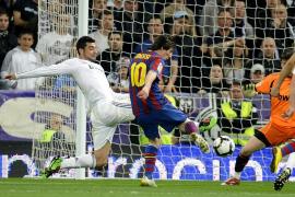 El Barcelona prolonga su hegemonía para acariciar el título