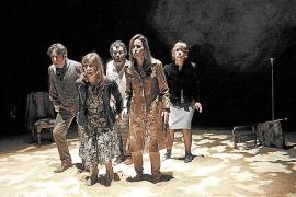 La escena teatral de la Isla sobrevive en otoño mientras trata de reinventarse