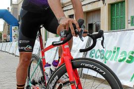 Jaume Sureda cuelga la bici