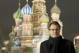 Los candidatos catalanes critican a Mas por el «despilfarro» de su viaje a Rusia