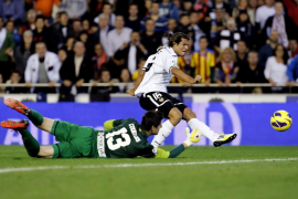 La solidez del Valencia truncó la racha del Atlético