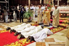 Ordenación de cinco nuevos sacerdotes en la Seu