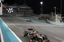 Raikkonen gana delante de Alonso, que acortó tres puntos a Vettel