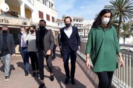 Armengol: «Nadie se ha vacunado por ser político, sino por el trabajo que hace»