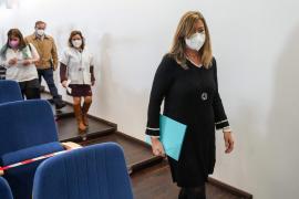El Parlament aprueba la comparecencia de Gómez por la pandemia