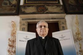 Jesús Murgui, exobispo de Mallorca, también se ha vacunado saltándose la cola