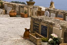 Cementerio de Deià, ubicado sobre el mar