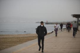 Baleares es la tercera comunidad con menos contagios por habitantes de España