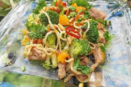 Brócoli salteado con albaricoques