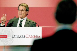 Mas dice que Catalunya no recibe ofertas para quedarse, sino «palos»