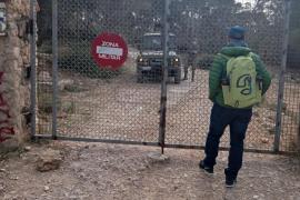Maniobras militares cierran el acceso al Toro