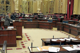 El Govern ha gastado 76.000 euros en buscar fórmulas para despedir personal