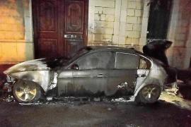 El joven que quemó el coche del alcalde de Sóller  pide perdón en una carta