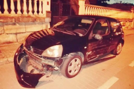 Localizan al propietario del Mercedes que destrozó un coche en Costa de la Calma