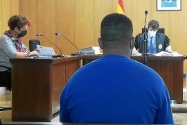 Dos años de cárcel por robar móviles a menores en el Parque de las Estaciones de Palma