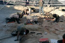 Descubren dos fosas comunes en la excavación del cementerio de Porreres