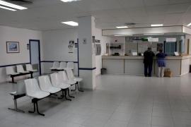 Detenido por esconderse en el baño y pasar toda la noche en el centro de salud de Camp Redó
