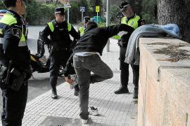La Policía Local de Calvià intensifica los controles en las zonas de ocio y residenciales