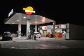 Hallan el vehículo usado para el atraco a la gasolinera de la UIB, en el que resultó herido un empleado