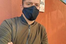«Lancé dos huevos a la fachada de Cort, pero no tiré piedras a la policía»