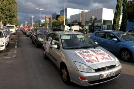 La oposición dará sus retribuciones del día de la huelga a una ONG