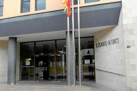 El Ministerio aplaza un mes el cese de algunos funcionarios de los juzgados