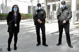 La policía de barrio empieza a patrullar en las calles de Palma
