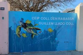El colegio del Coll d'en Rabassa estrena un emotivo mural