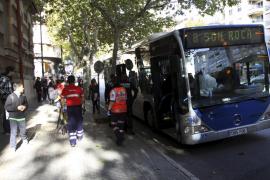 Seis heridos al frenar un bus de la EMT en hora punta en Palma
