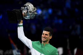 Djokovic fulmina a Medvedev y levanta su noveno Abierto de Australia