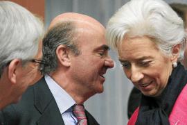 De Guindos ve «signos positivos» en España tras las reformas del Gobierno