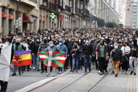 La manifestación de Bilbao en apoyo a Hasél concluye con disturbios y un detenido