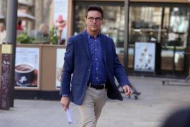 La Fiscalía pide 20 años de cárcel a Rodrigo de Santos por dos agresiones sexuales