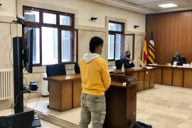 Un joven acepta dos años de cárcel por manosear a una menor en Palma
